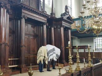 Priesterzegen Esnoga Amsterdam